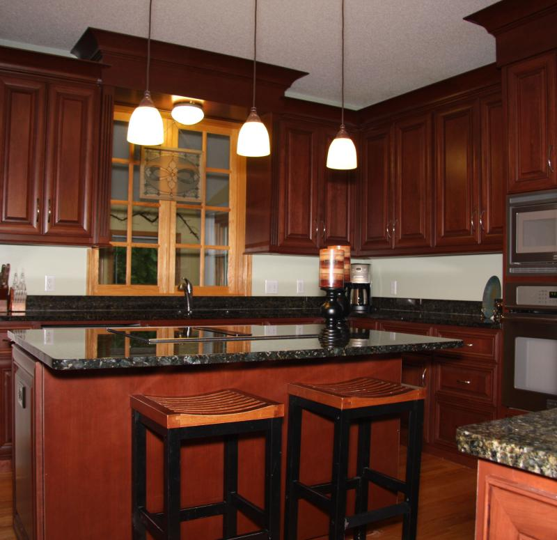 Kitchen cabinet refacing kitchen cabinets reface or for Cabinet door refacing cost